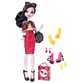 MH I Heart Shoes Draculaura Doll