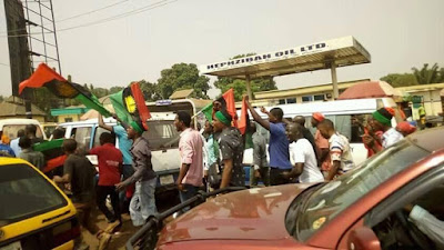 Tension In Enugu As Pro-Biafra Supporters Protest Against Buhari's Visit. Photos