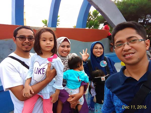 Family Double Date ke Pantai Depok Yogyakarta