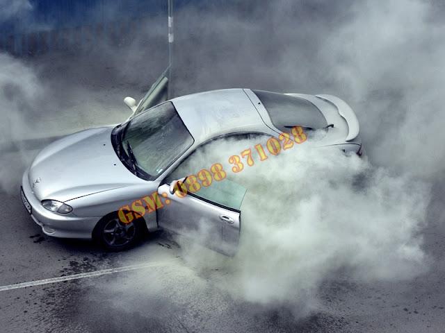 Събота,  Борово,  автомобил с газова уредба,   автомобил,  ремонт,  горя кола, бул. Т. Каблешков,  - видео, инцидент, Пожар,  линейка, сервиз,