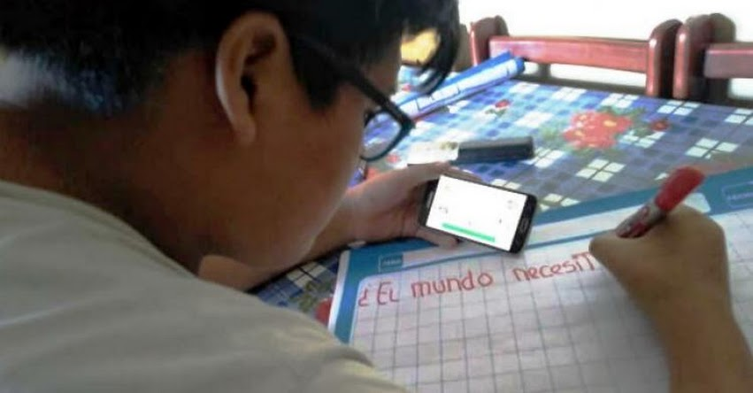 MINEDU: Aprendizajes de estudiantes de colegios públicos están garantizados, afirma ministro Benavides