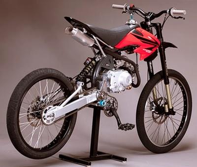 Motoped Motor unik dengan pedal seperti DKW