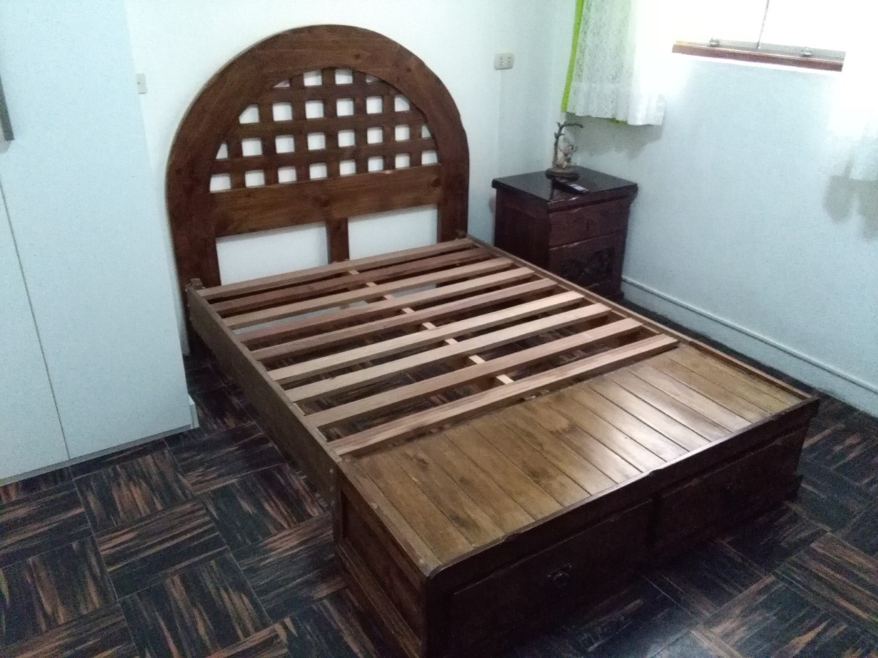 Cama 2 plazas modelo circular muebles para el hogar for Camas en madera economicas