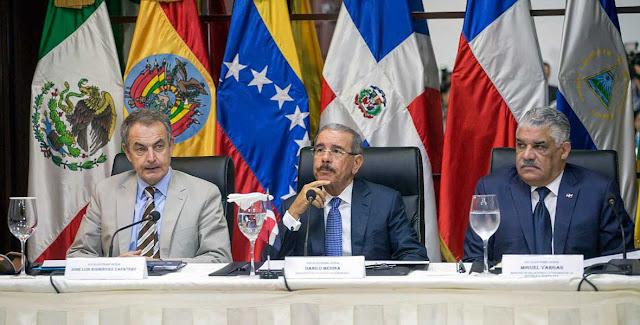 Primera mesa de diálogo entre gobierno y oposición inicia en Santo Domingo