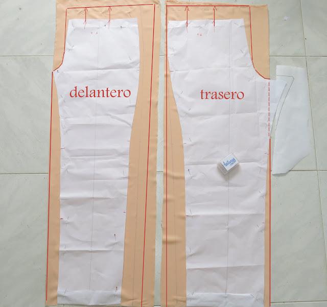 como transformar una falda en pantalón