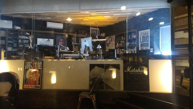 【高雄美食】駁二藝術特區美食餐廳,氣氛超好的電台食堂In Our Time
