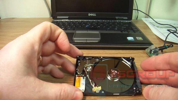 Cứu phục hồi dữ liệu ổ cứng laptop bị xóa
