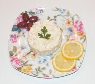 salata de peste afumat, salate, aperitive, preparate din peste, retete de peste, mancaruri cu peste, retete culinare,