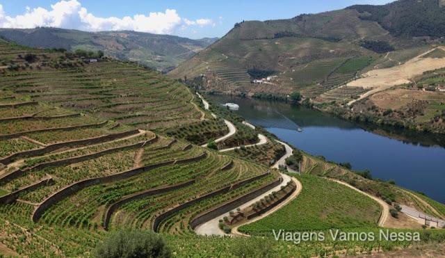 Vinhas do Vale do Douro, os socalcos de pedra de xisto tem mais de 300 anos