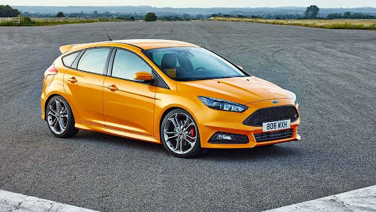 2015 Ford Focus ST Review and Specs