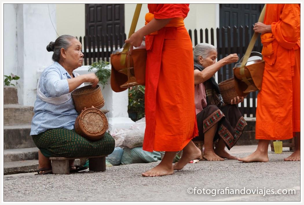 ceremonia de salvacion de las almas en Luang Prabang en Laos