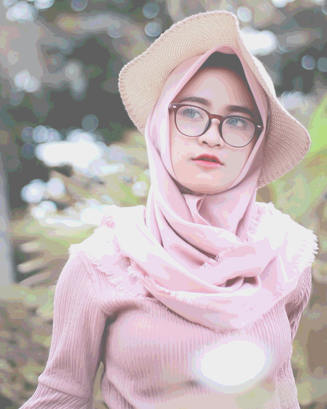 Posterize Keren Dengan Solid Color Adobe Photoshop CC 2019 - MaudySites
