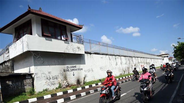 Four foreign prisoners flee Indonesia jail: Police