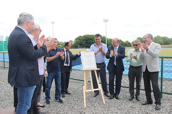 UFPR inaugura nova pista de atletismo para competições nacionais e internacionais