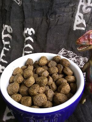 Salmon, lentil, and pea dog food