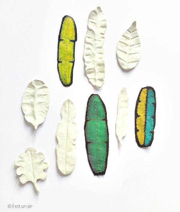 Feuilles tropicales brodées et pâte fimo