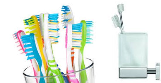 Escovas de dentes juntas