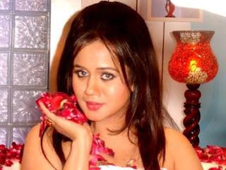 Gunjan Pant Bhojpuri Actress
