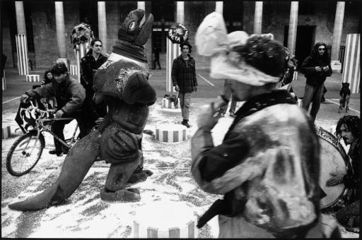 manisfestation protestation performance artiste squatteur ministere culture palais royal franck chevalier paris