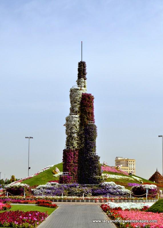mini Burj Khalifa made of flowers at Dubai Miracle Garden