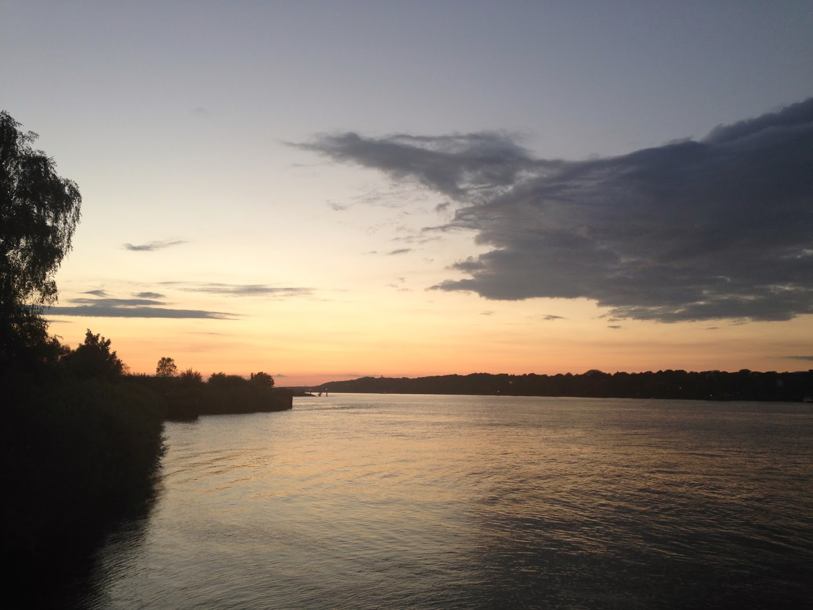 elbe-river-with-beautiful-sunset