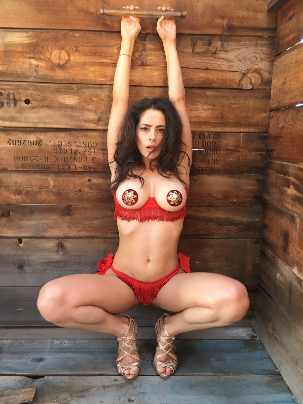 Victoria vannucci nude