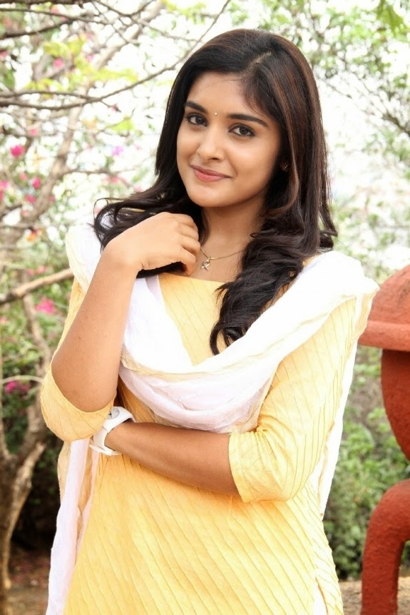 Actress Niveda Thomas Cute Hd Photo Images Cap