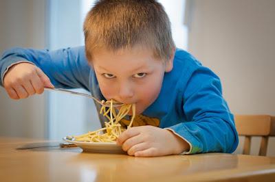 pemakan emosional, mengatasi makan berlebihan, obat tradisional mengurangi nafsu makan, cara agar nafsu makan hilang, cara menghilangkan nafsu makan di malam hari, obat penghilang nafsu makan di apotik, cara mengurangi nafsu makan dan menurunkan berat badan, kumpulan ramuan penghilang nafsu makan, tips menghilangkan rasa lapar, cara menghilangkan nafsu makan dan ngemil,