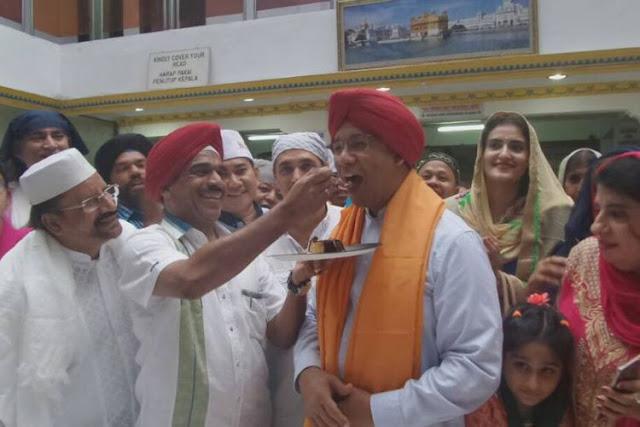 Penampakan Gubernur Pilihan FPI Anies Baswedan Rayakan Hari Ulang Tahun Ke-48 di Kuil Agama Sikh