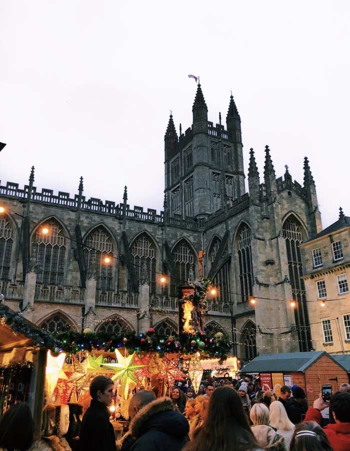 bath christmas market and cathedral