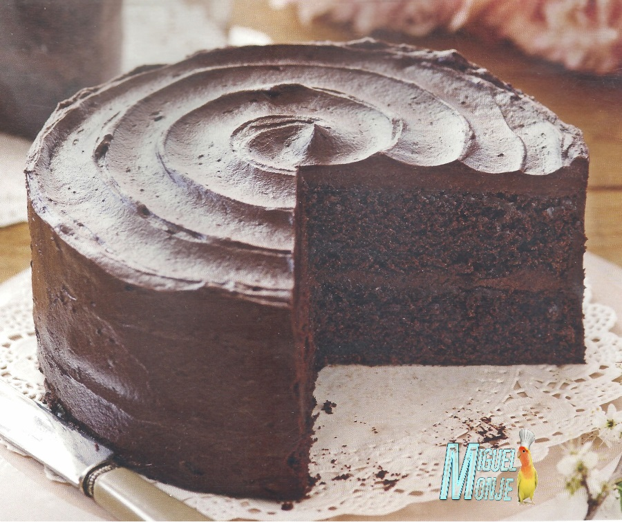 Tarta de chocolate nata (crema de leche) y queso