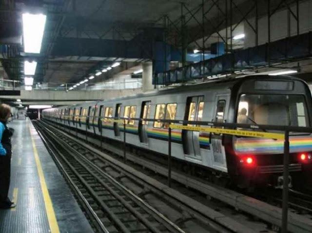 Usuarios del Metro tuvieron que romper vidrios para evacuar
