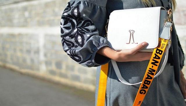 Ο τρόπος που κρατάτε την τσάντα σας αποκαλύπτει πολλά μυστικά για το χαρακτήρα σας