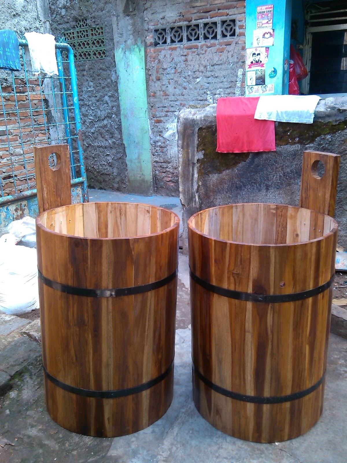 Penjual ember kayu gentong kayu barrel tahang 2020