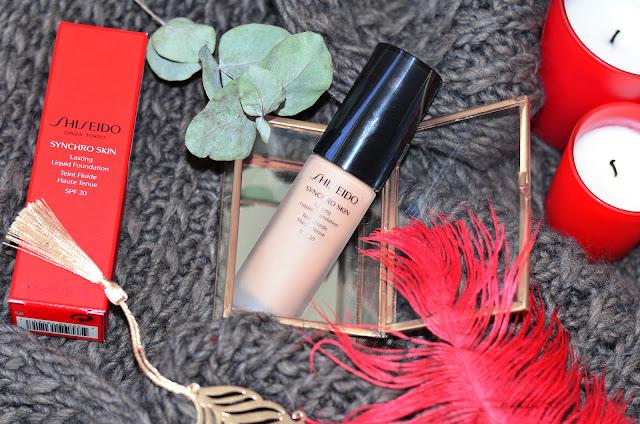 Shiseido Synchro skin  lasting liquid foundation Teint Fluide Spf20 #Neutral 3 хороший стойкий тональный крем с невесомым покрытием живым финишем