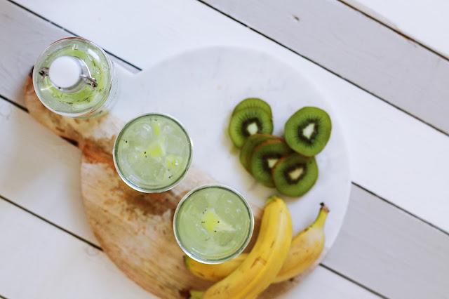 zielony koktajl z jarmużu