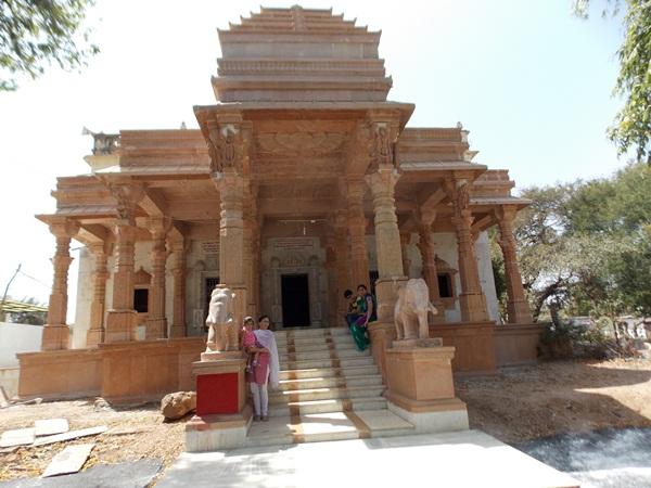 लक्ष्मणी तीर्थ- laxmani-jain-tirth-alirajpur-jhabua-लखमनी ग्राम जैन मंदिर