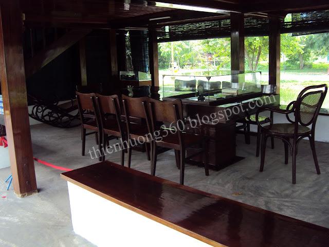 Nhà sàn Bác Hồ - Khu di tích lăng Cụ Phó bảng Nguyễn Sinh Sắc