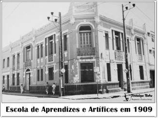 1914 - A sede da Escola de Aprendizes Artífices se transfere para o imóvel  que abrigara a Milícia Estadual, localizado em frente à Praça Nogueira  Accioly. a100eac669