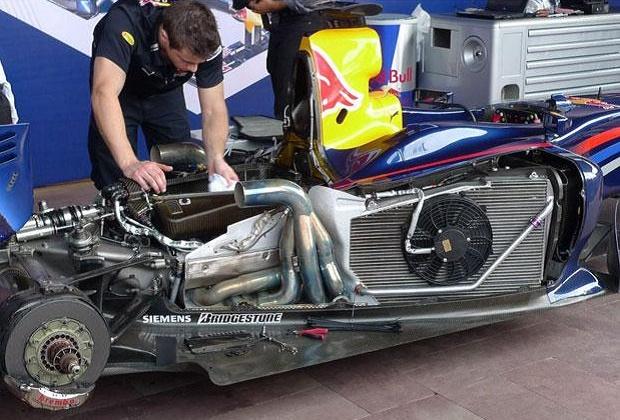 Tahukan Cara Pembuatan Baut F1 ? Begini Cara Engineer Tim Formula 1 Membuat Baut