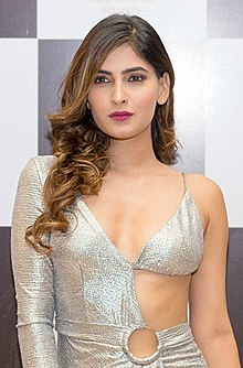karishma sharma biography, wiki, age