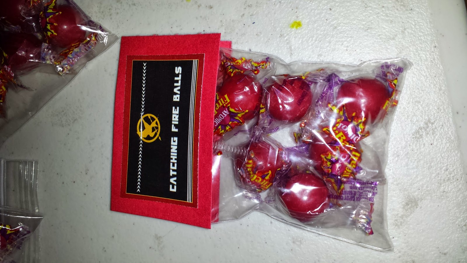 Catching Fire Balls (Fire ball candies) favors