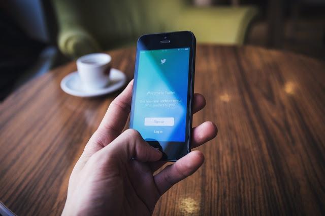 Make money online from Twitter