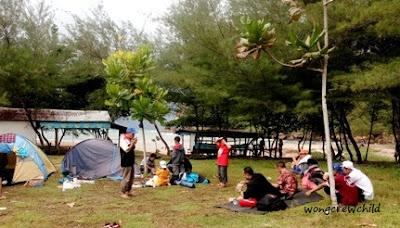 lahan camping di pantai pangi blitar