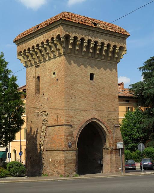 Porta Castiglione, seen from  Viale Enrico Panzacchi, Bologna