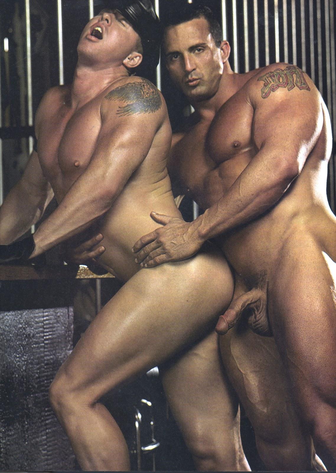 два качка гея