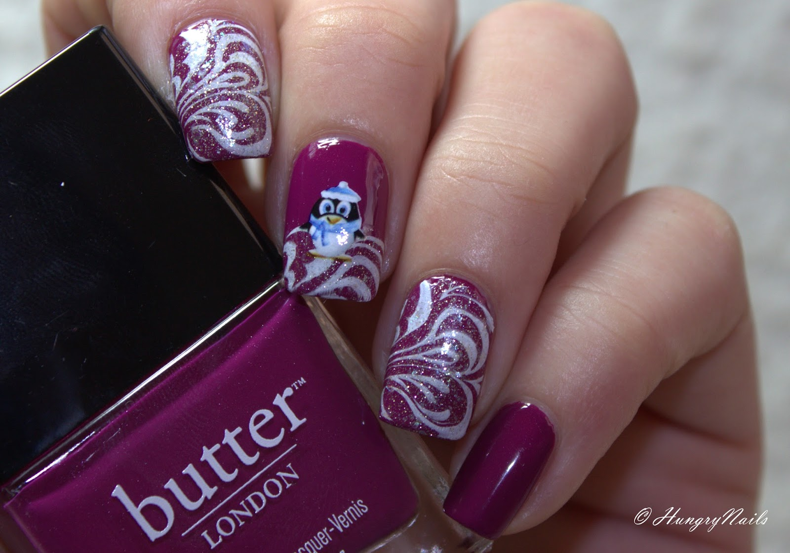 http://hungrynails.blogspot.de/2014/12/Winterdesign-mit-ButterLondon-QueenVic.html