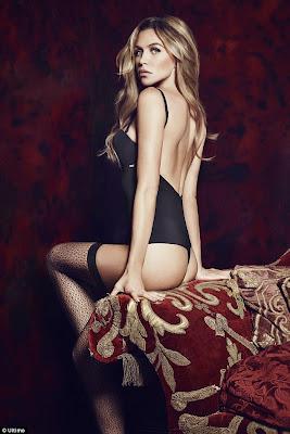 الموديل الانكليزية آبي كلانسي تستعرض جسمها الرشيق في صور ترويجية لملابس داخلية