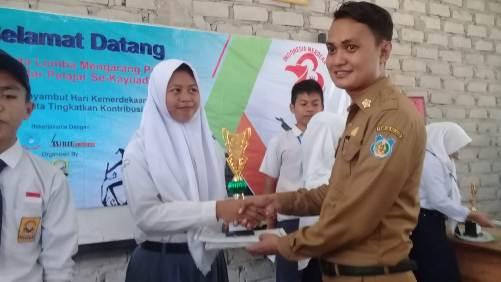 Magfirah Sabet Juara I Lomba Mengarang, Antar Pelajar Di Kayuadi