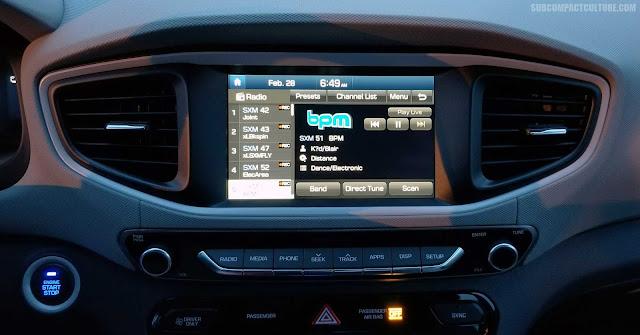 2018 Hyundai Ioniq Plug-In Hybrid dashboard